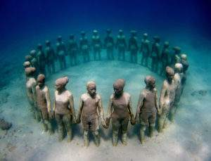 Jason deCaires Taylor installati on à Cancun Mexique 2009-2011