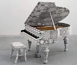 Joana Vasconcelos, Piano et crochet, 2