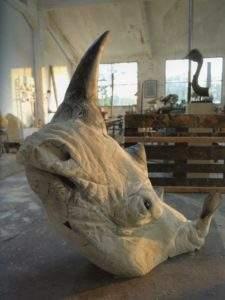 Quentin Garel 2009 rhinocéros bois et plexi 116x120x66 2