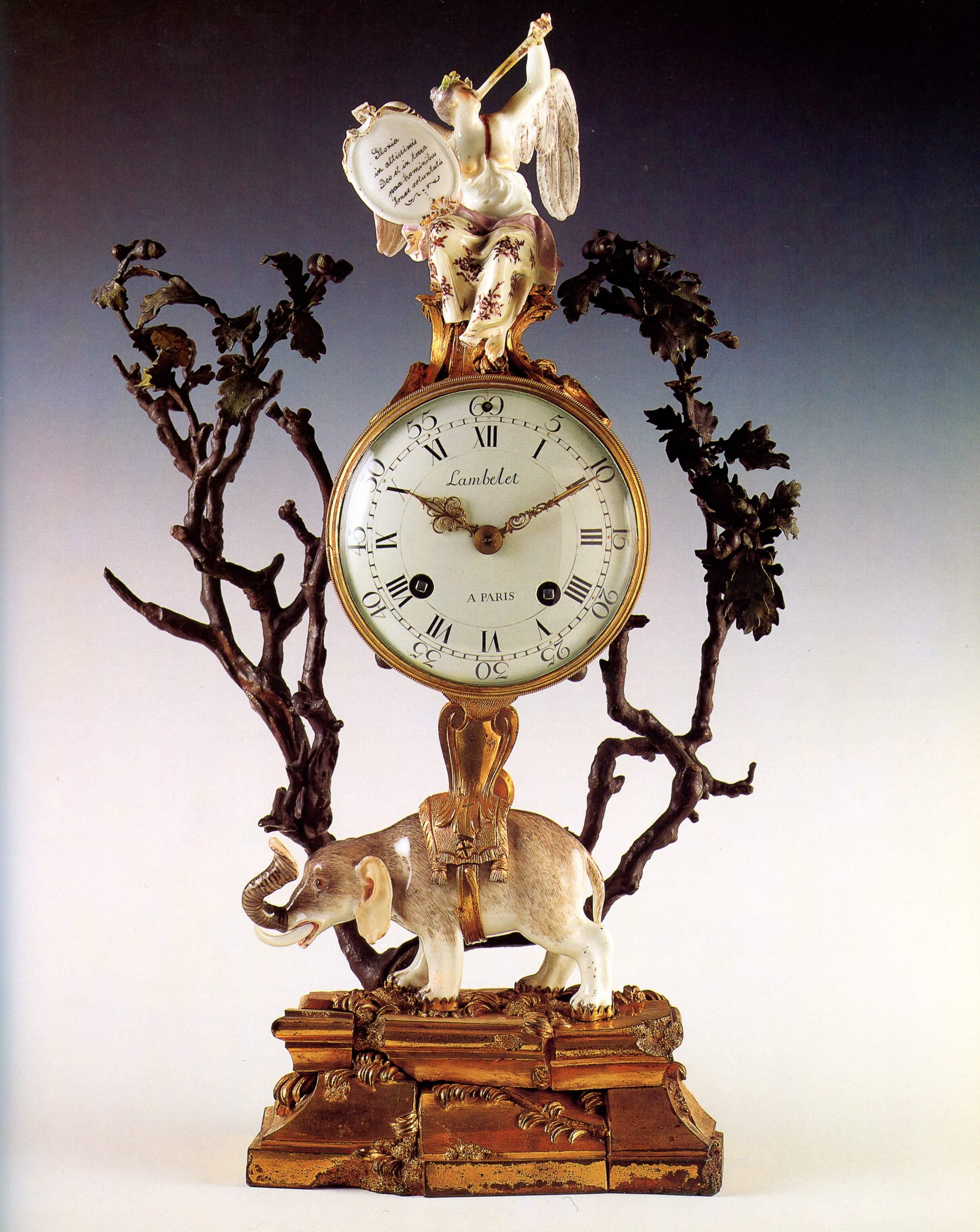 XVIIIe siecle pendule a l'ele phant France bronze et porcelaine 43,5x12,7x12 Fondation Angladon Dubrujeaud Avignon