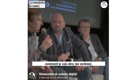 Démocratie et univers digital